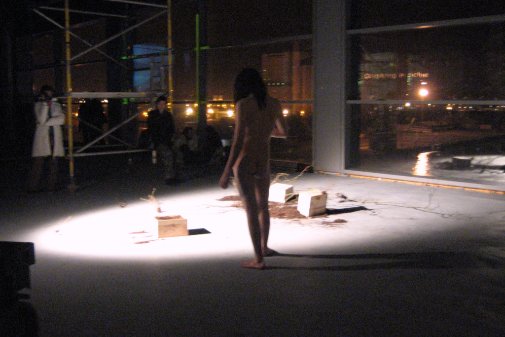 performance artist in the nude